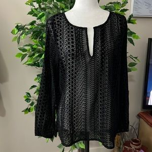 🟢3/$25🟢 NWT:  XL black sheer (with designs) top